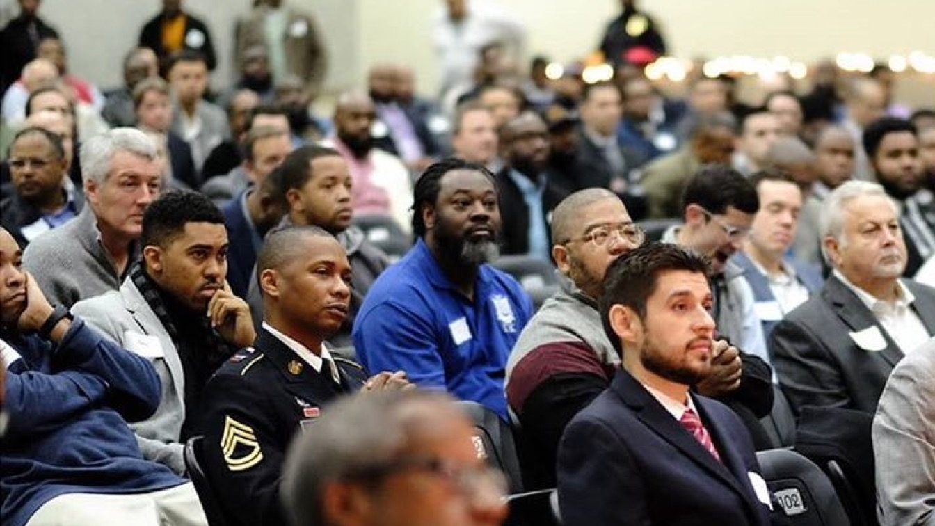 600 Men Volunteered To Be Mentors At A School's Breakfast With Dads