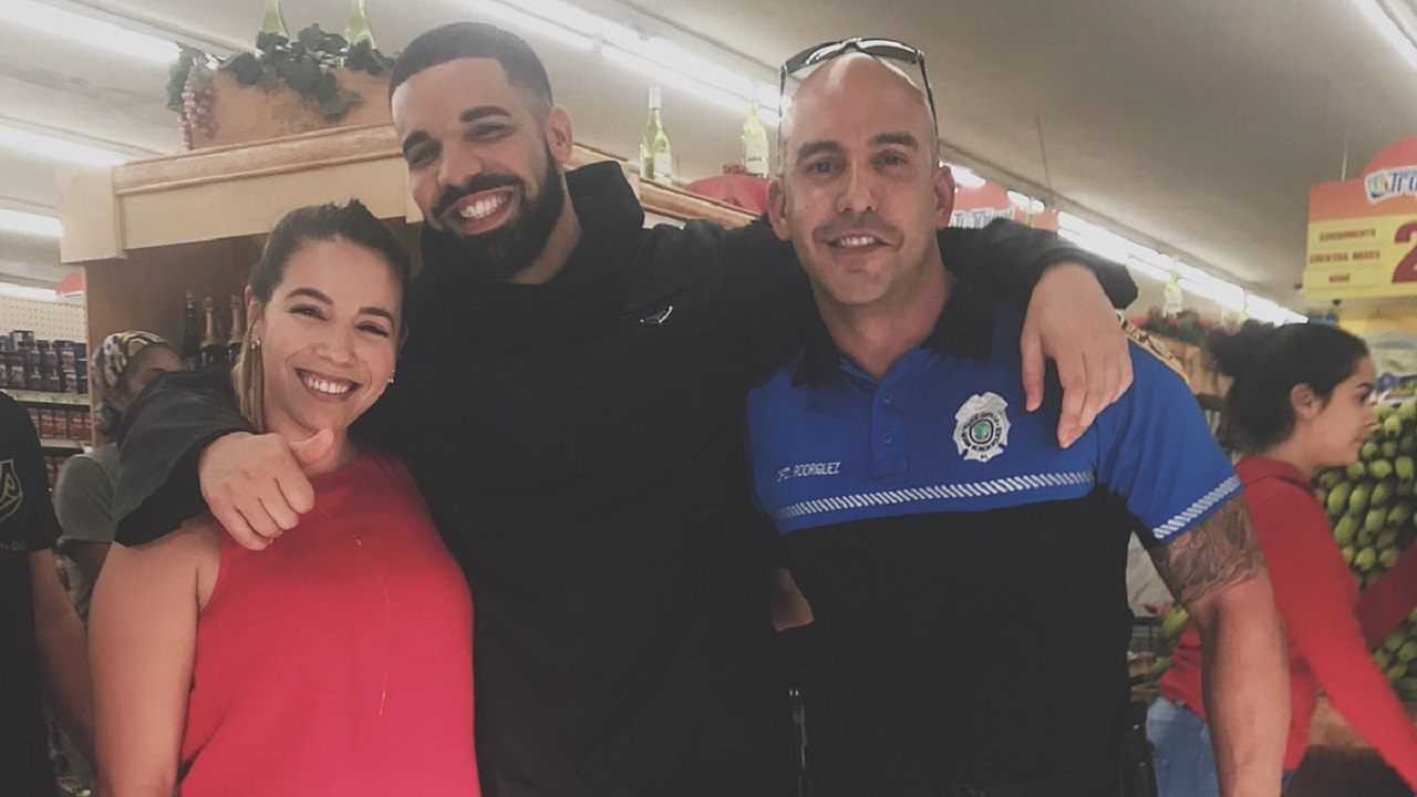 Drake Treats Every Customer In The Store To Free Groceries