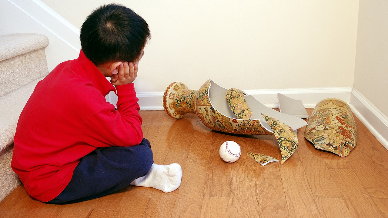 Toddler Destroys $120,000 In Antiques Because Toddlers Are The Devil