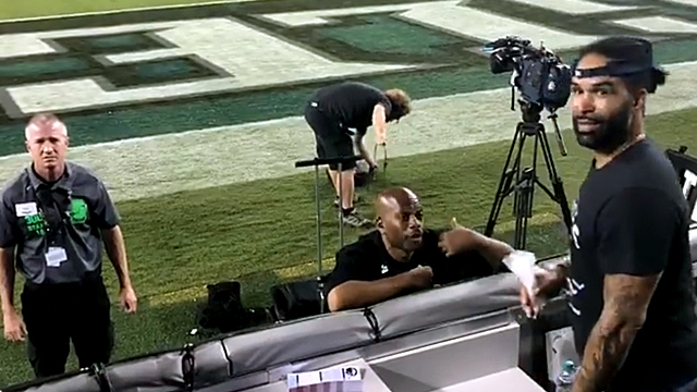 Eagles Fans Help Spread Dad's Ashes on Field [VIDEO]