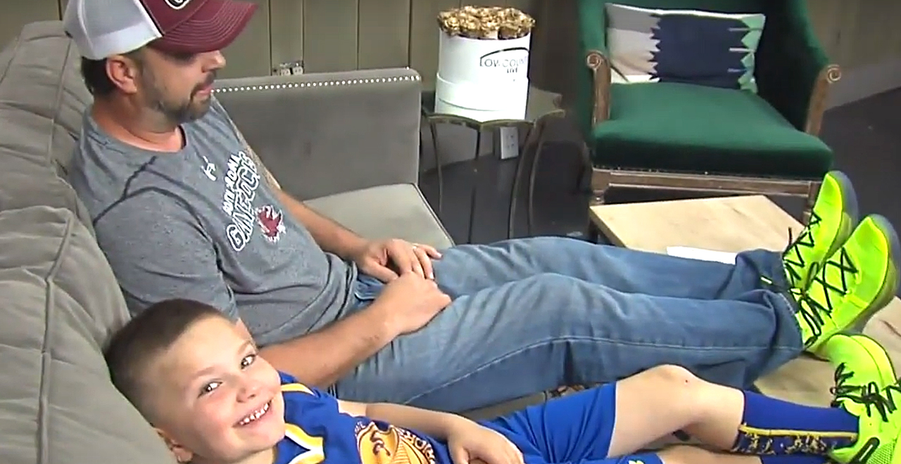 Steph Curry Sends Shoes to Dad and Son