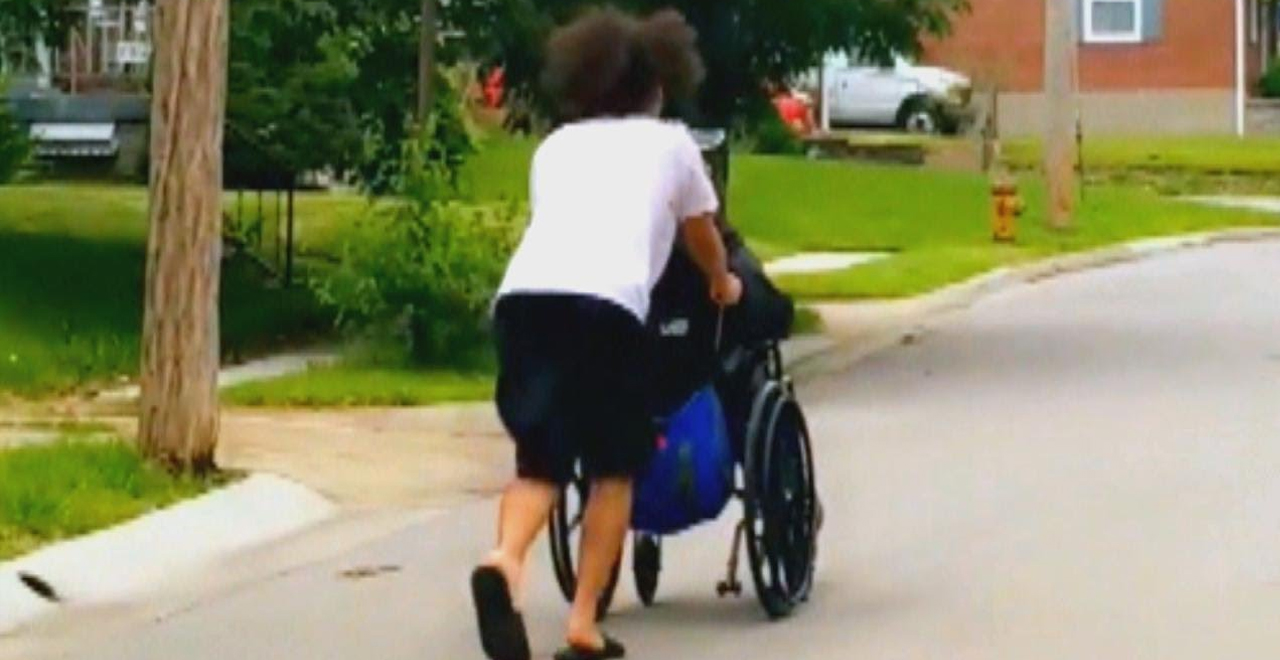 Teen Helps Man in Wheelchair During Tornado