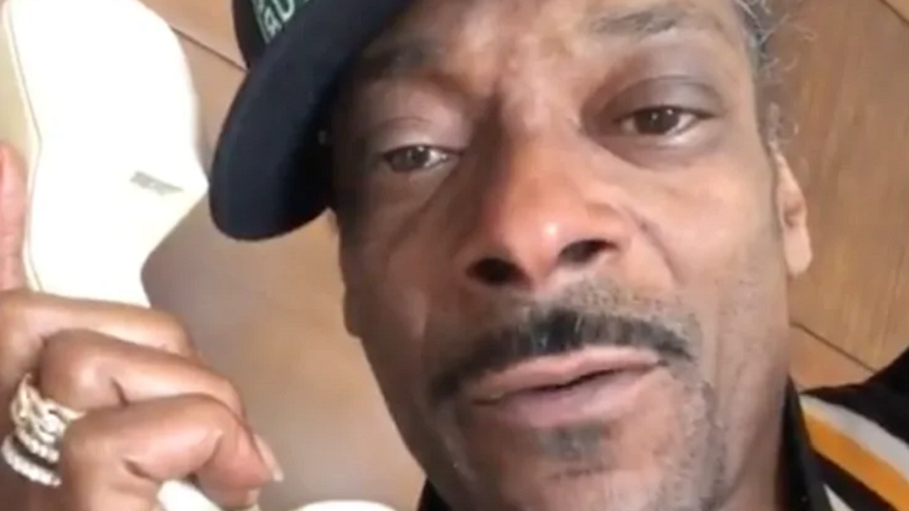 Snoop Dogg on the Bottle Cap Challenge