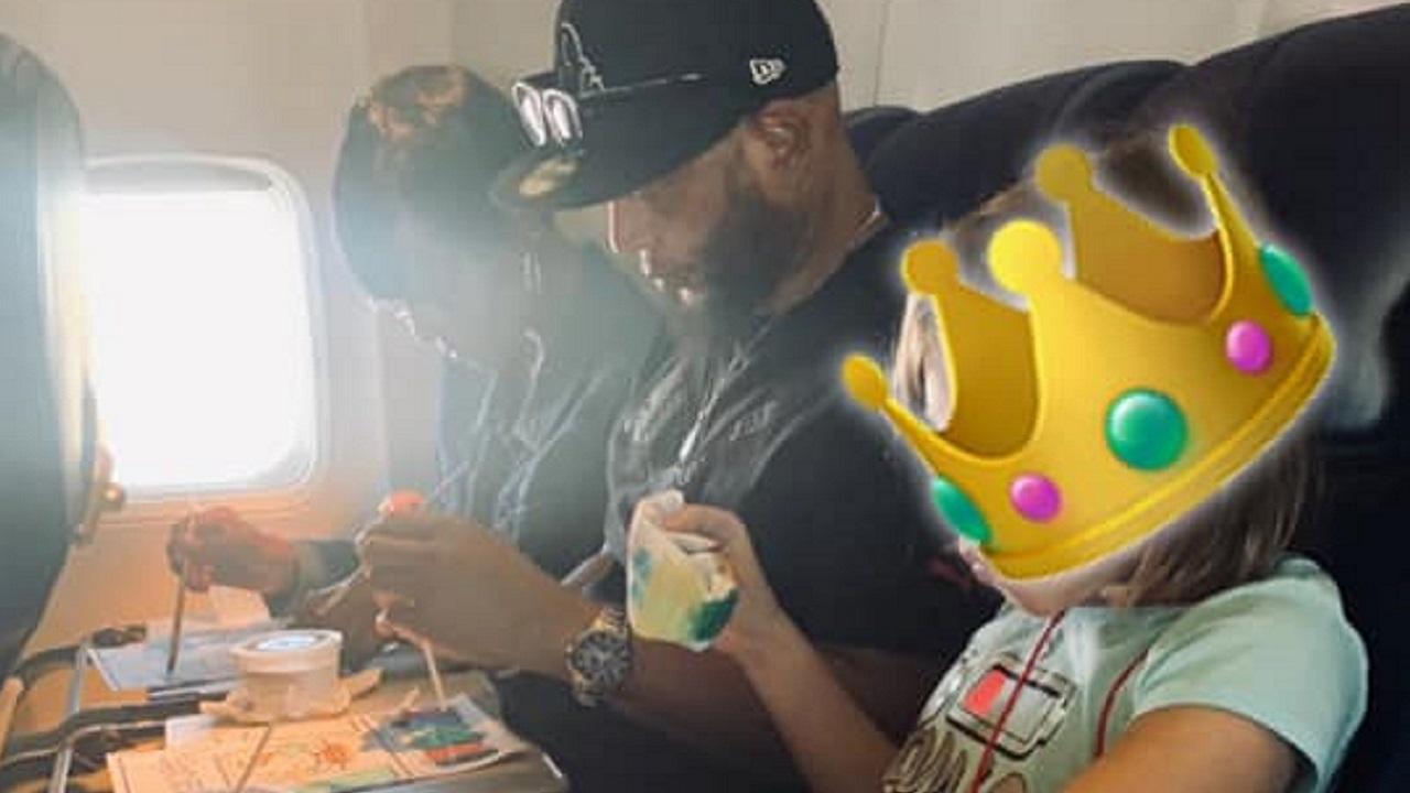 Couple Entertains Minor on Plane