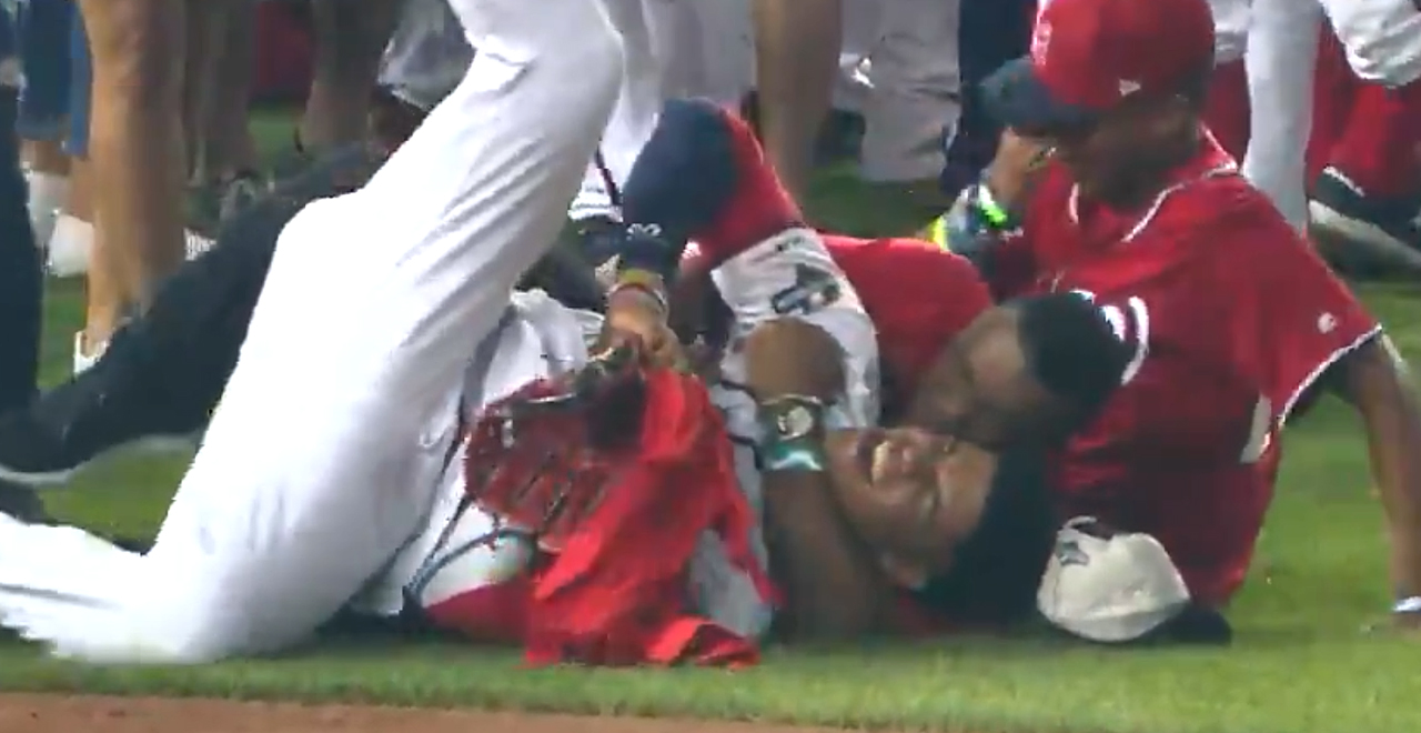 Juan Soto's Dad Tackles Him