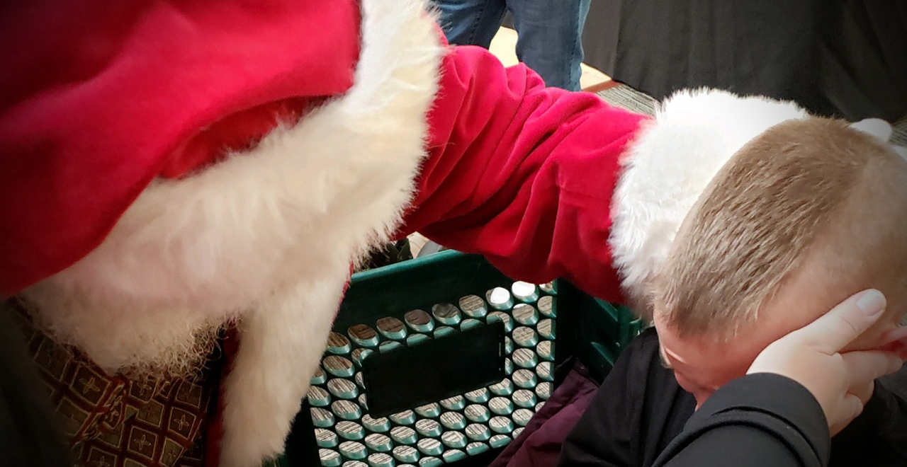 Mall Santa Calms Boy With Autism