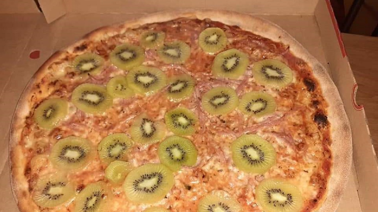 Kiwi on Pizza