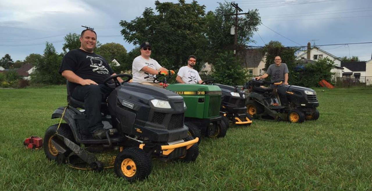 "Detroit ""Mower Gang"" Rivals Face Off to Preserve City Parks"
