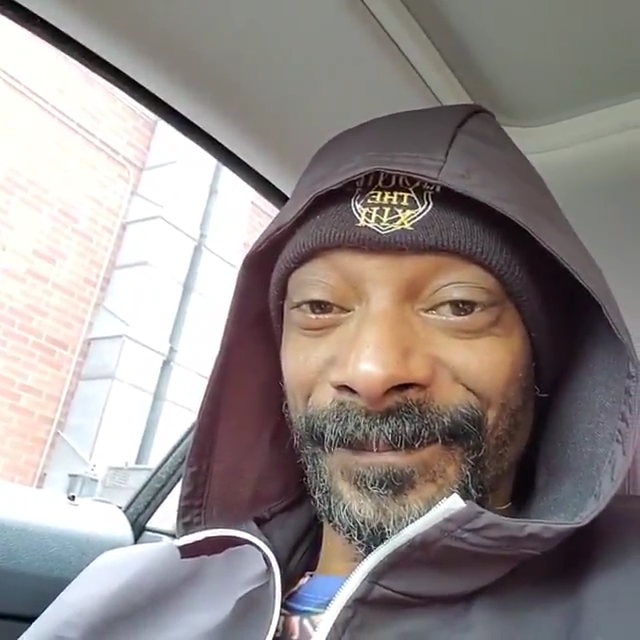 snoop knowing eyes