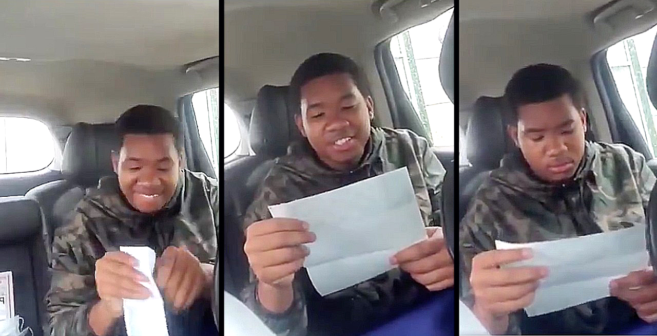 Teen opening paycheck