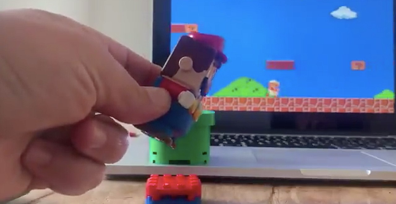 Hacker turns LEGO Super Mario into controller