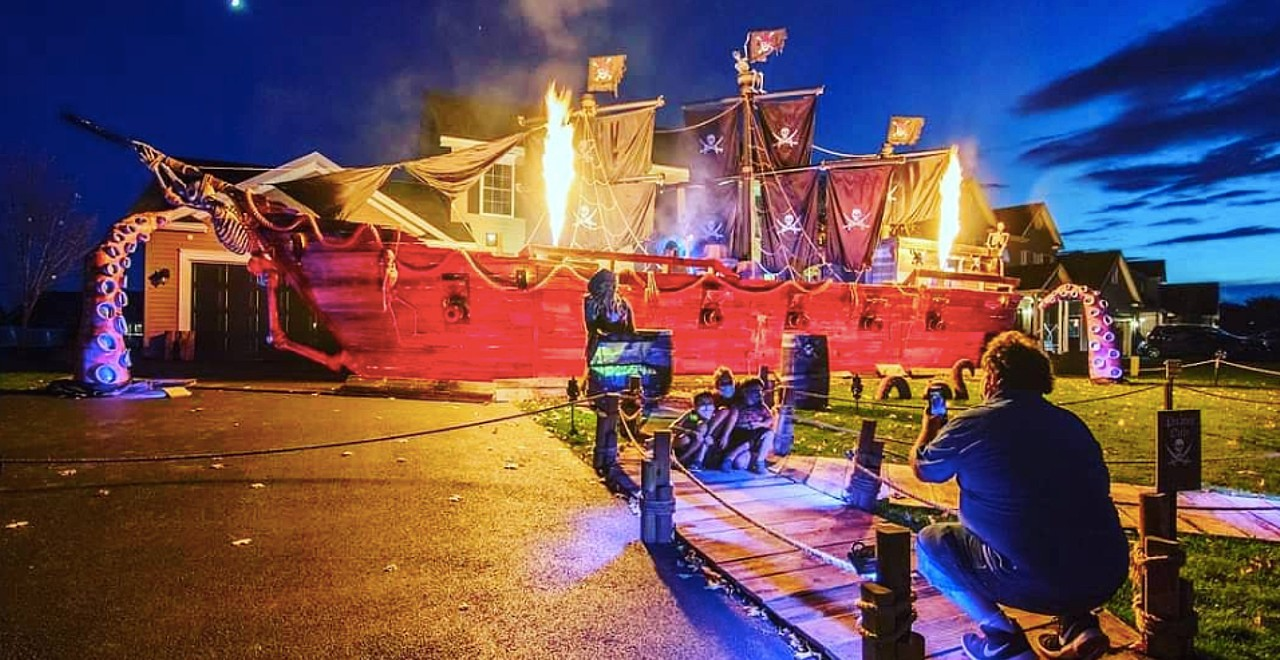 Dad builds 50-foot pirate ship for daughter on Halloween