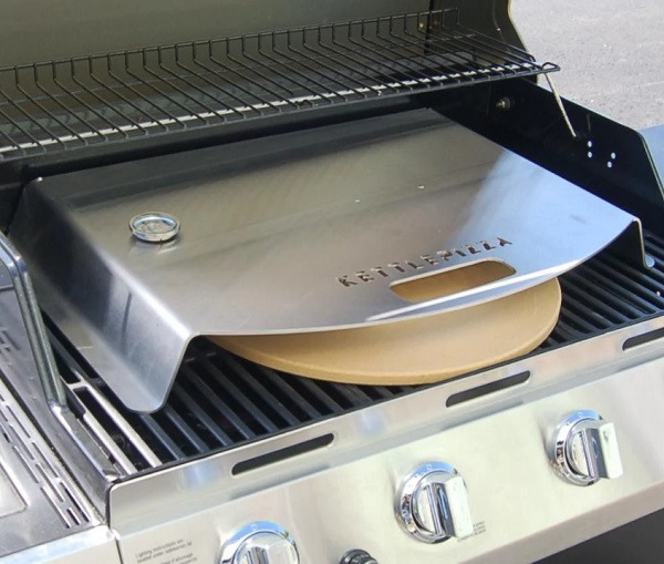 Best Pizza Oven for Grill; KettlePizza Kit