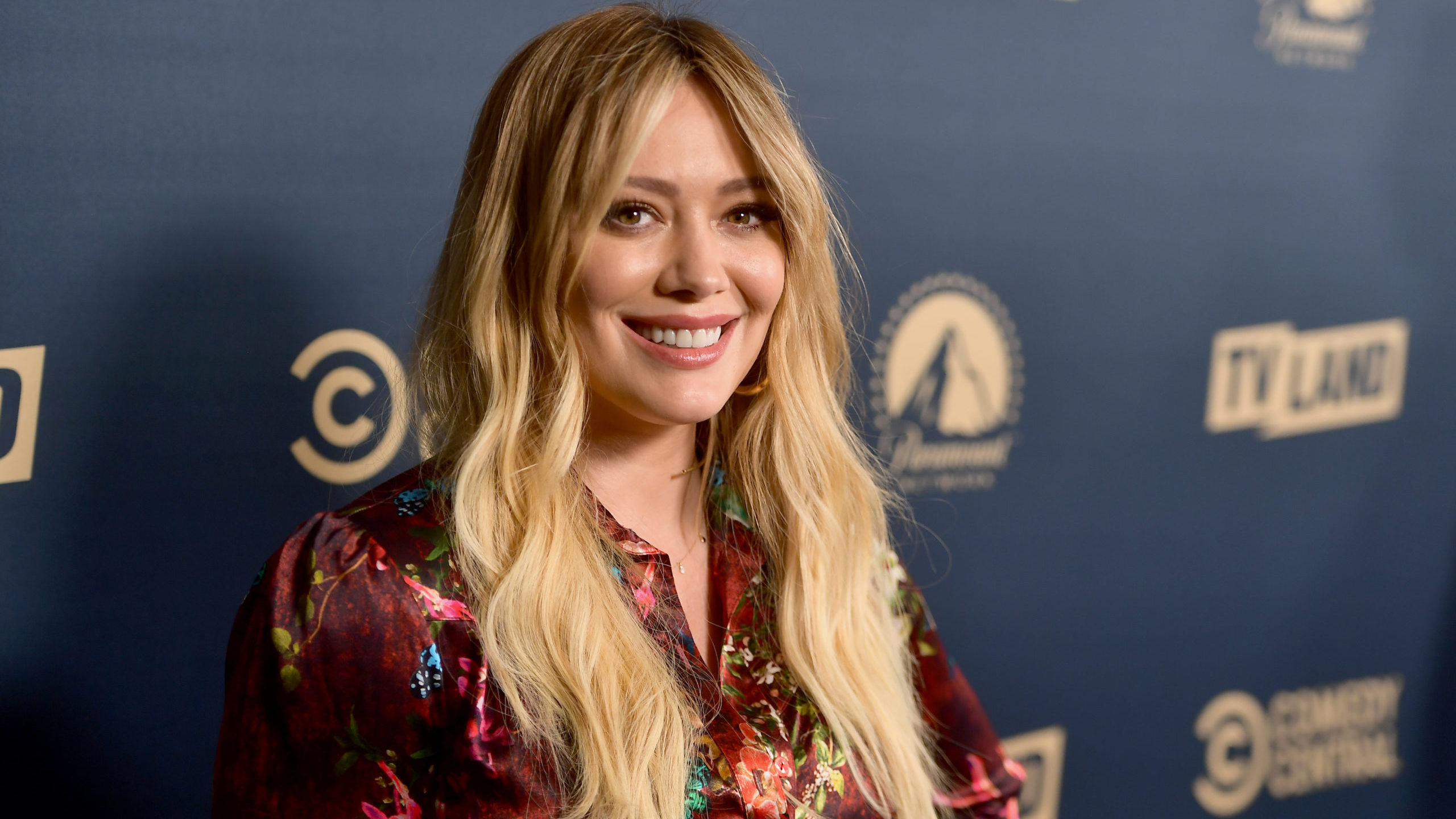 Hilary Duff, Hulu, How I Met Your Father