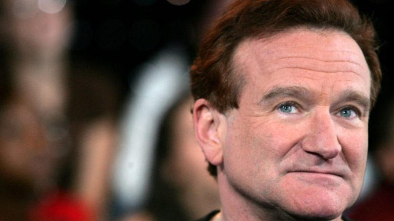 Robin Williams comforts woman after husband's suicide