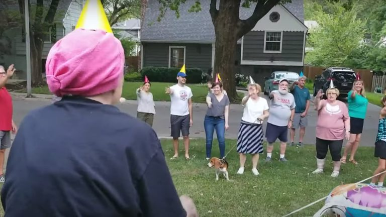 Neighbors organize Hokey Pokey Flash Mob