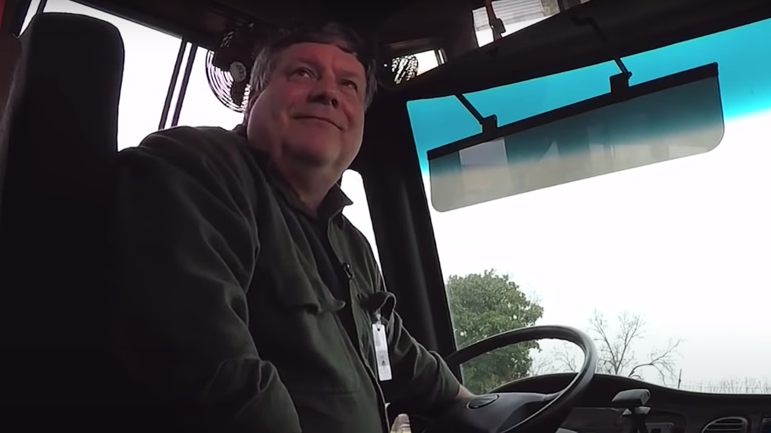 Bus driver buys 50 breakfasts so students wouldn't be hungry
