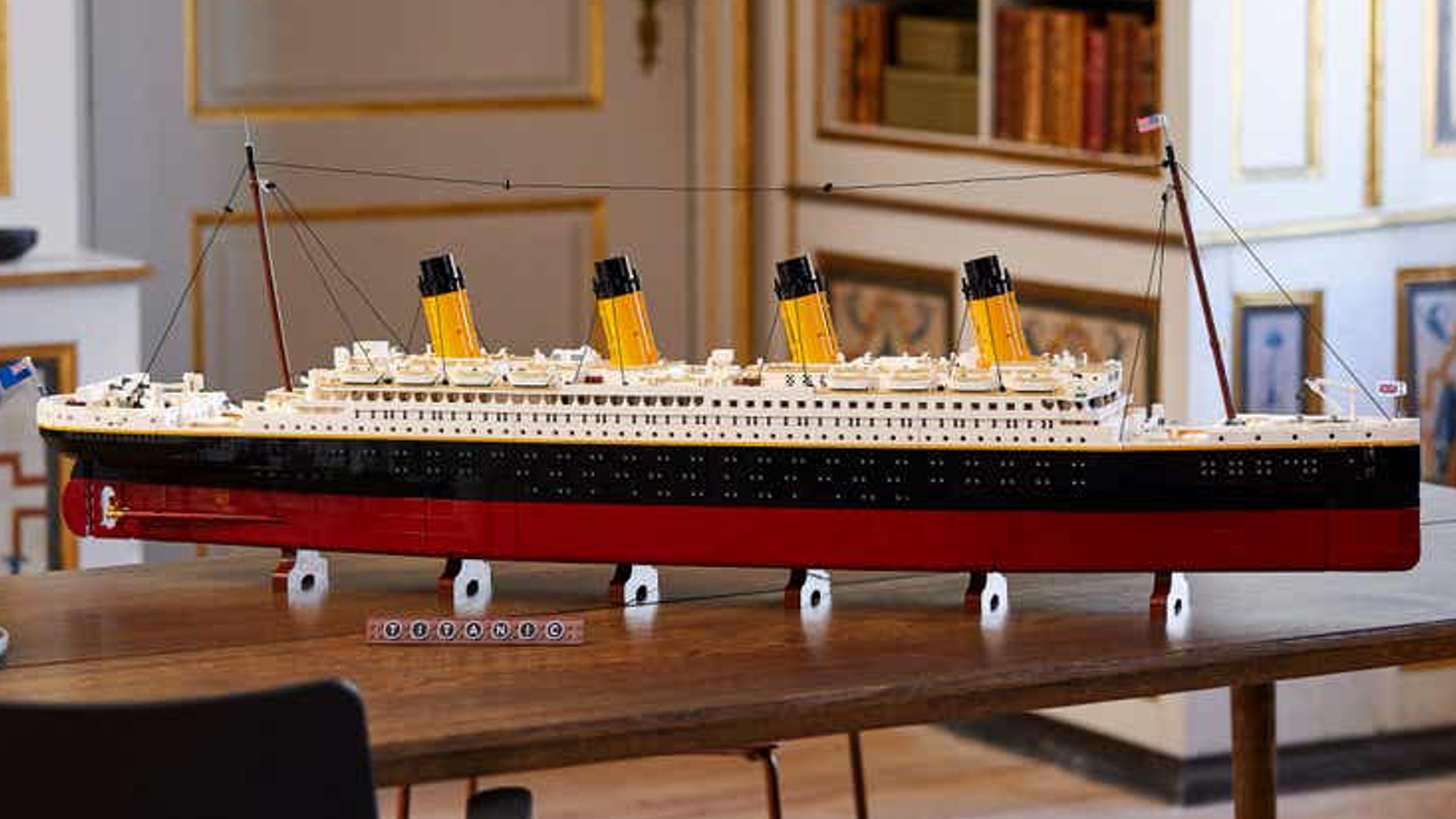 Lego Titanic Set